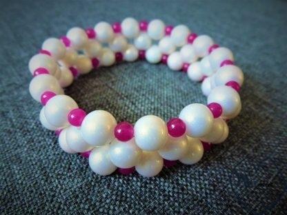 blizgių perlų apyrankė