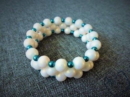 matinių perlų apyrankė