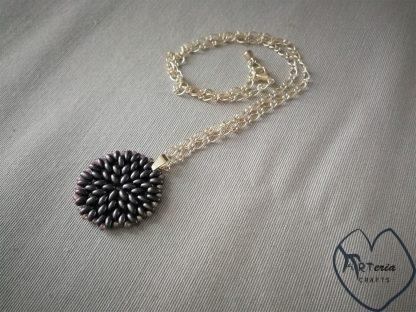 kaklo papuošalas medalionas čekiški preciosa karoliukai